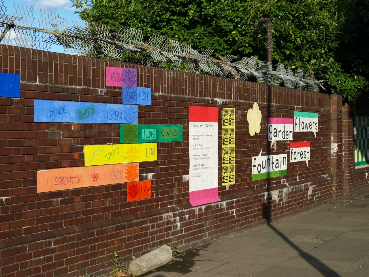 The wall as a calling card